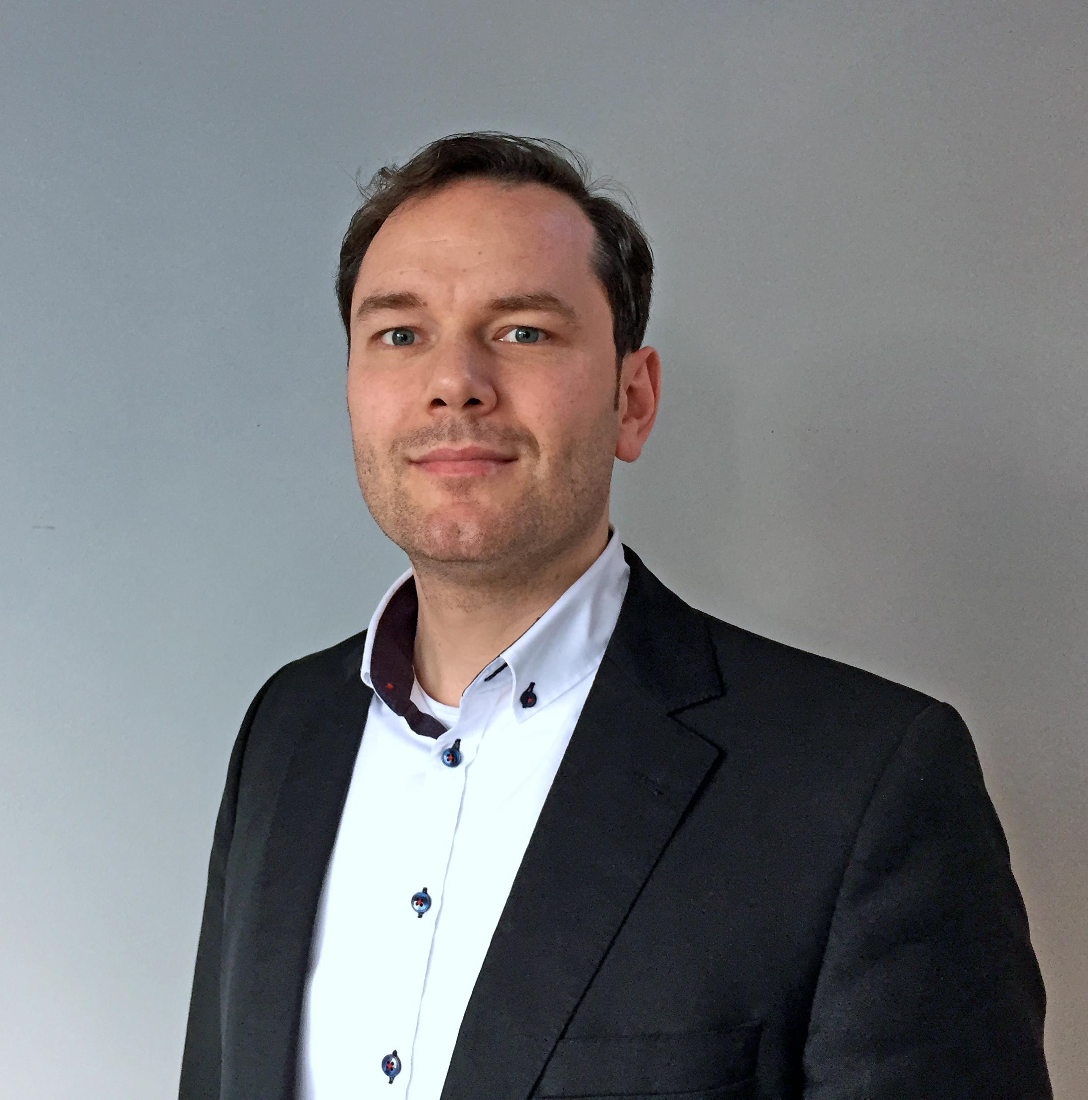 AT Internet Adrien Guenther Regional Director DACH & CEE