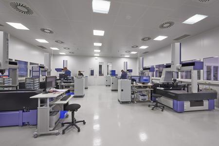 Ein Messraum für den Medizin-Produkte-Hersteller Zimmer – geplant ...