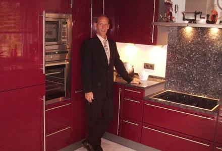ko k chen ben tigen j hrlich nur 500 kwh ikratos solar und energietechnik gmbh pressemitteilung. Black Bedroom Furniture Sets. Home Design Ideas