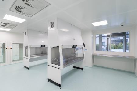 Neues sterillabor f r burg apotheke in k nigstein weiss for Clean room design qualification