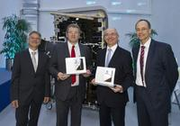 Dr. Michael Rehmet, Andreas Fehring, Didier Evrard, Dr. Wolfgang Schoder (Foto: Eurocopter, Charles Abarr)