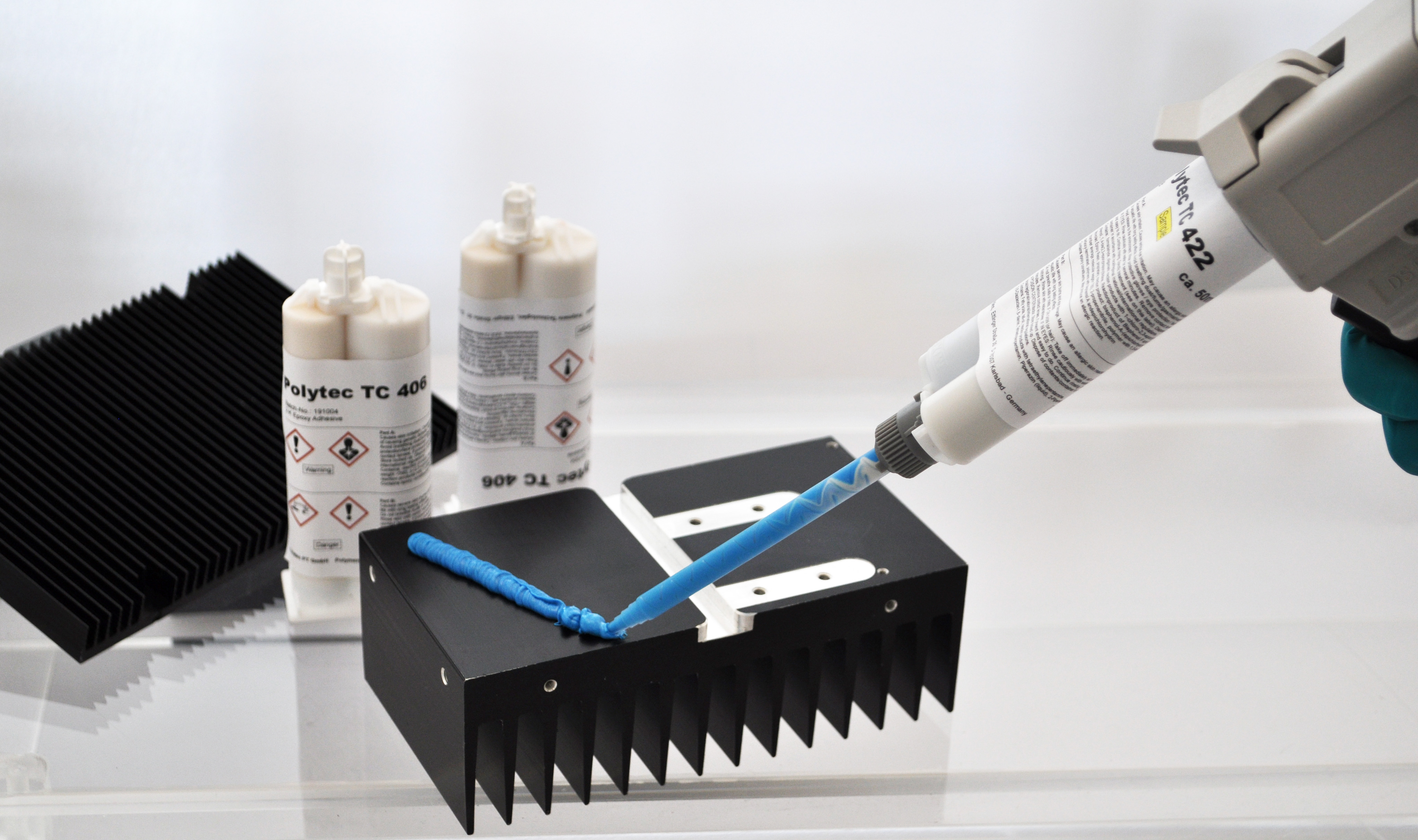 New thermally conductive adhesives for manual applications