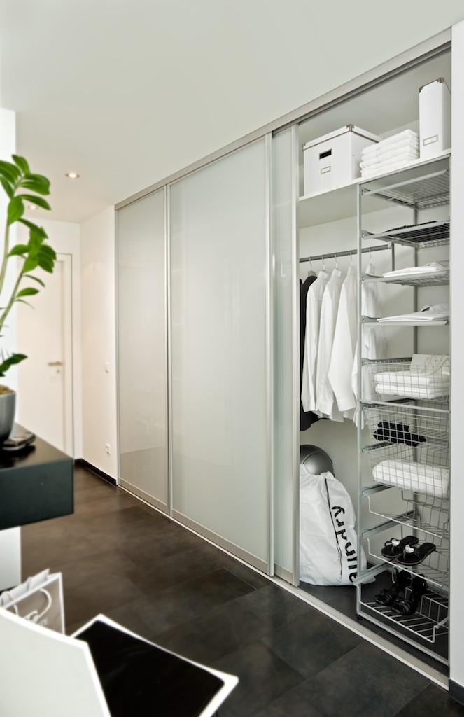 Clever mit Schiebetürsystemen kleine Wohnungen einrichten Inova