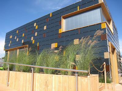 Das Solarhaus der TU-Darmstadt ist komplett mit intelligenter Gebäudetechnik von ABB ausgerüstet