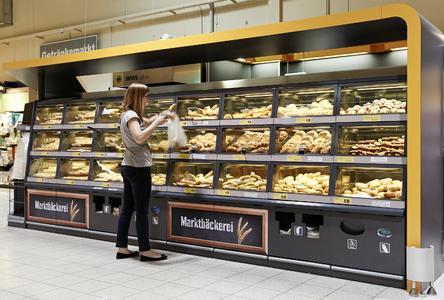 Ein Highlight von Wanzl auf der EuroShop 2014 ist der modulare Frischepräsenter BakeOff für das Backwarensortiment im Markt (Foto: Wanzl Metallwarenfabrik GmbH)