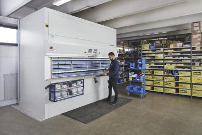 Im Hänel Rotomat® Lagerlift werden große Mengen an Kleinteilen übersichtlich, ergonomisch und schnell bereitgestellt.