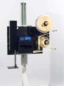 Der neue kostengünstige Etikettendrucker und -spender Legi-Air 4020 für Standardetikettieraufgaben verfügt über viele Funktionen. ,Foto - Bluhm Systeme