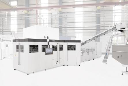 With the next InnoPET Blomax Series V generation of stretch blow molders KHS provides the means of generating an increase in added value right down the line while saving on resources