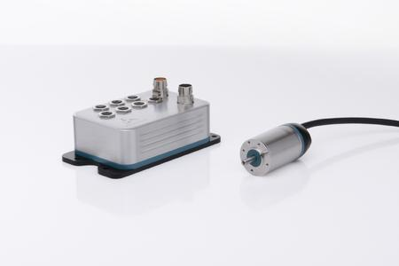 """A perfect match: the new """"simco drive"""" servo amplifier from WITTENSTEIN motion control and the """"cyber dynamic line"""" family of synchronous motors from WITTENSTEIN cyber motor"""