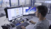 Während in der Anlage die Produktion läuft, kann gleichzeitig in RoboPlan ein neues Programm erstellt werden