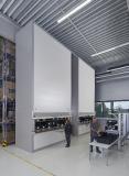 In den beiden deckenhohen Hänel Rotomat® Lagerliften werden verschiedenste Baugruppen und Frontblenden für die Endmontage bereitgestellt.