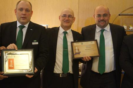 (from left): Delight at the Acrex Award of Excellence 2016 in the category 'Green Products': Chief Technology Officer Rainer Große-Kracht, Rob de Bruyn (Managing Director of BITZER Refrigeration Asia) and Chief Sales and Marketing Officer Gianni Parlanti accept certificates for the CSVH3 compact screw compressor