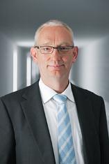 """""""Komponenten vernetzen sich in Zukunft auf intelligente Art und Weise selbst"""", erklärt Prof. Dr. Peter Post, Leiter Corporate Research & Programme Strategy bei Festo"""
