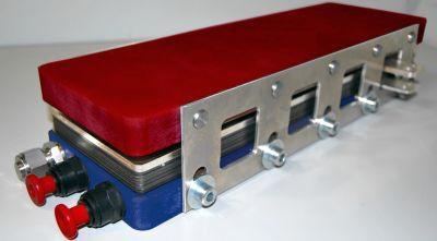 Hochleistungsbrennstoffzelle mit 3.500 W/l Leistungsdichte für die automobile Anwendung (Foto: ZSW)