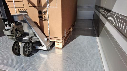Beeindruckendes Nutzlast-Plus bei KRESS Kühlfahrzeugen im 3,5-t-Bereich