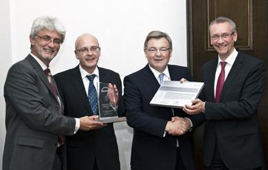 HJS wird mit dem MAN Truck & Bus Supplier Award ausgezeichnet