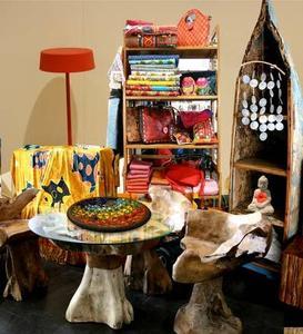 Wohnen wie auf Bali  - umgesetzt mit Produkten von Imago, Bali-Connection, Amba und Formaflori / Collage: Gabriela Kaiser