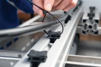 Die Leitungsbefestigung an Profilschienen ist jetzt flexibler geworden