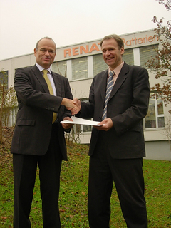 "Elatec named ""Distributor of the Year 2007"" by Renata Batteries"