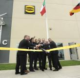 Chairman of the Board Philip Harting (second from left) opened new plant in Silao (Mexico) with other HARTING managers
