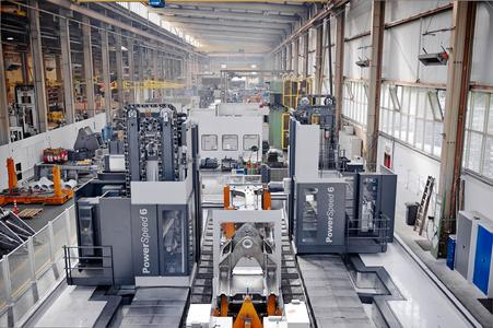 For its production Liebherr has chosen an  SHW PowerSpeed 6 travelling column machine with twin columns for parallel machining.
