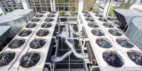 Seit dem 1. Juni 2021 gilt die aktualisierte Fassung der Norm DIN EN 378-1 für Kälteanlagen und Wärmepumpen. Bildquelle: denboma - stock.adobe