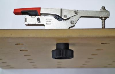 BESSEY self-adjusting toggle clamps can now be used on multifunction tables!