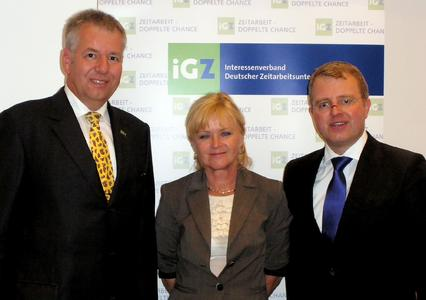 Holger Piening und Anne Rosner (iGZ) begrüßten Frank Schäffler (v.l.)