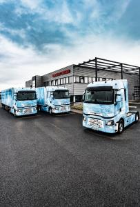 """Am 13. Juni 2017 startet Renault Trucks die Roadshow """"Tour de Eis"""". Sechs in Eis-Optik gestaltete Komplettzüge machen Halt an neun Rast- und Autohöfe in ganz Deutschland"""
