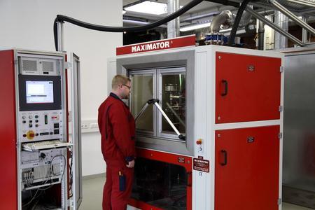 Impulsdruckprüfung im hauseigenen Dienstleistungszentrum Maxifes der Maximator GmbH