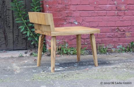 Die Rückenlehnen des Sitzmöbels sind verschiebbar und können auch ganz entfernt werden.
