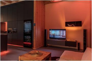 Entertainment-Lösungen von Loewe und Revox mit Lichtszenarien von Brumberg / Bild: Connected Comfort