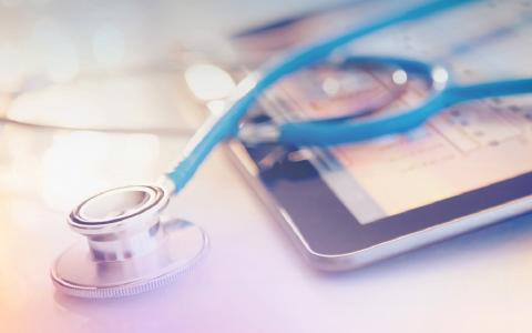The next digitization step for the healthcare sector is in 2018 (Copyright: Jamie Grill / Getty Images / Arvato Systems)