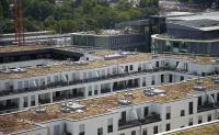 Dachflächen sind einfach verfügbar und stellen einen nennenswerten Flächenanteil im Stadtbereich dar. Durch ihre bauliche Beschaffenheit sind sie zur Nutzung als Wasserspeicher prädestiniert