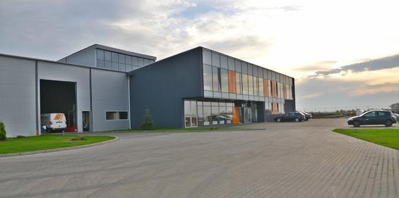 Das europäische Aufarbeitungszentrum für Gebrauchtgeräte von STILL / Foto: STILL GmbH