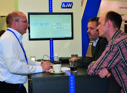 """Dr. Ralf Mühlhans (links), A+W CANTOR Vertriebsleiter: """"Die Branche..."""