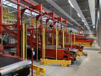 Die VanRiet-Anlage im neuen Linzer DHL-Paketzentrum sortiert Sendungen für Straßen-, Kurier- und Lufttransporte / Foto: VanRiet