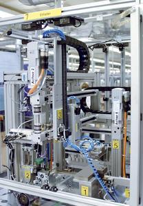 Vom CAD-Modell zum einbaufertigen Linienportal für eine Montagezelle: Entlastung und Zeitgewinn der Konstruktionsabteilung durch Festo. Bilder: Festo