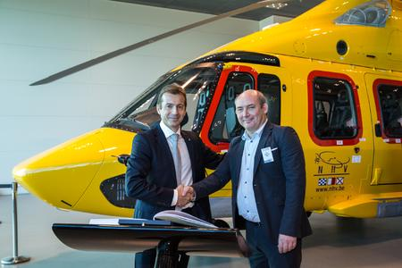 Guillaume Faury, President & CEO Airbus Helicopters and Eric Van Hal, CEO of NHV  (© Lorette Fabre - 2014)