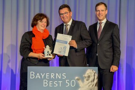 v.l.n.r: Petra Adrianowytsch, Franz Josef Pschierer, Bayerischer Staatsminister für Wirtschaft, Energie und Technologie und Juror Dr. Christian Eschner (Bildquelle: Studio SX HEUSER)