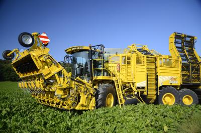 ROPA presents a new generation of sugar beet harvester at Agritechnica - ROPA euro-Tiger V8-4