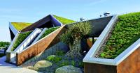 Creating a green roof on a pitched roof is not a problem provided the special features of the roof are taken into consideration.