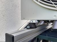 Vier Schwingungsdämpfer mit der Typbezeichnung COM-52511 der ACE Stoßdämpfer GmbH isolieren die störenden Vibrationen effizient und koppeln die Schwingungen auf Dauer von der Übertragung ins Gebäude ab / Bildnachweis: ACE Stoßdämpfer GmbH