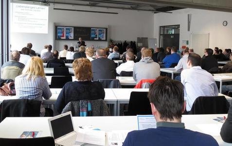 Dr. Eberhard Kroth, Geschäftsführer der Reis Group Holding GmbH Co.KG / Vortrag: 'Lebenslanges Lernen' aus Sicht der Industrie