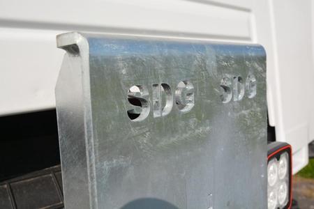 Die SDG Modultechnik, ein Spier Kooperationspartner, hat dieses mechanische Wechselbrückensystem entwickelt (Foto: © Renault Trucks, SDG Modultechnik)