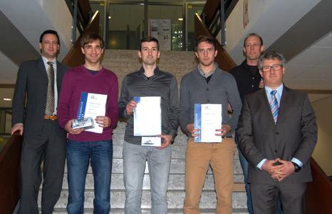 Dr. Sebastian Buck (ITK Engineering) und die Preisträger Daniel Eiser, Tom Giereth, Dorian Steddin, sowie Prof. Dr. Kriesten (Hochschule Karlsruhe) und Rüdiger Hauser (ITK Engineering) (v. links)  (Foto: Prof. Dr. Eberhard Halter, Hochschule Karlsruhe)