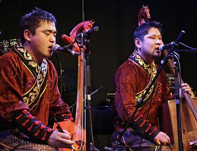 Seeda aus der Mongolei gastieren im Schloss Landestrost