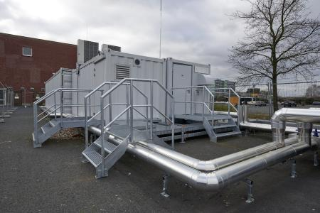 The ready-to-use turnkey cloud data centres from Rittal and Innovo Cloud contain all the vital components, from IT racks to climate control technology and power supply. The container itself – the protective cover – is compatible with outdoor installation with IP 56 protection ((Source: Rittal GmbH & Co. KG)