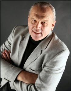 Franz Xaver Huber, diplomierter Osteopath, Heilpraktiker und Hypnosetherapeut.