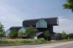 Das neue VitraHaus als Ausstellungshaus der Vitra Wohnmöbel auf dem Vitra Campus in Weil am Rhein